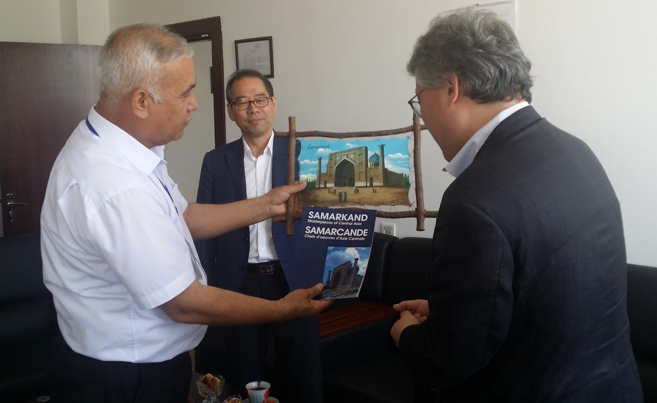 Visit of the Professor Lee Dong Vook from the Korean university Bucheon to Samarkand Vocational Center